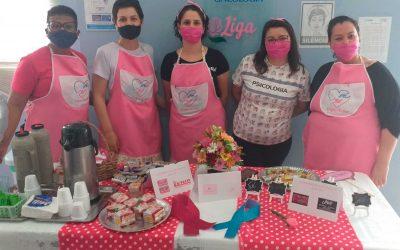 Projeto voluntário de mulheres em hospital de Canoas atenua a dor e a ansiedade de quem enfrenta o câncer